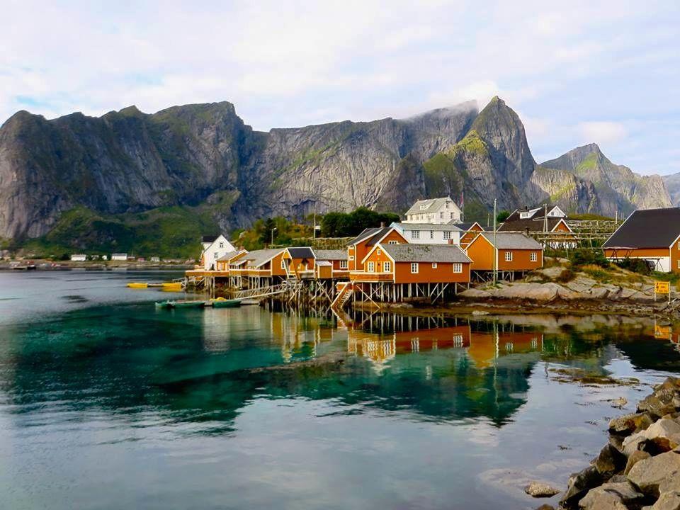 Norvège - Reine, village typique au sud des îles Lofoten